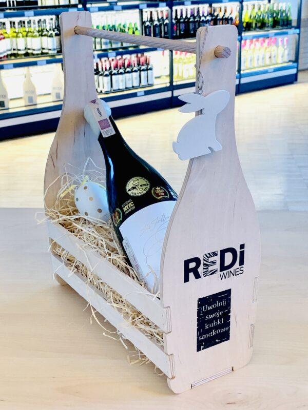 drewniana skrzynka na wino z czarnym logo REDi